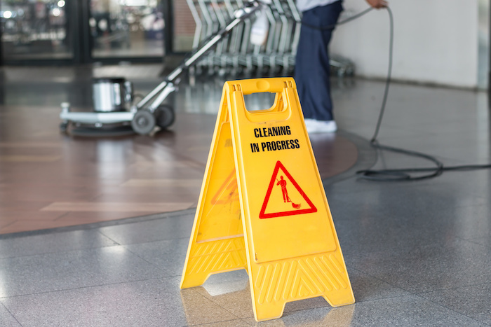 Team Cleaning or Zone Cleaning: Which is Better For Your Facility?